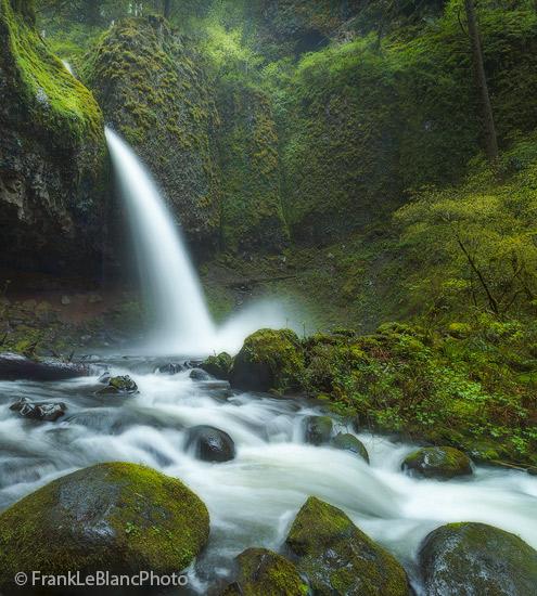 oregon, columbia, river, gorge, rain, mist, waterfalls, photo